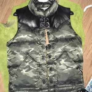 True Religion camo vest size small